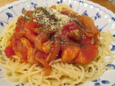 カンコのトマトソース煮込みパスタ3