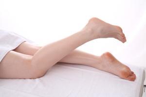 きれいな女性の足