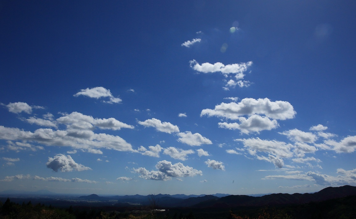 ブログ 秋の空、雲は流れる.jpg