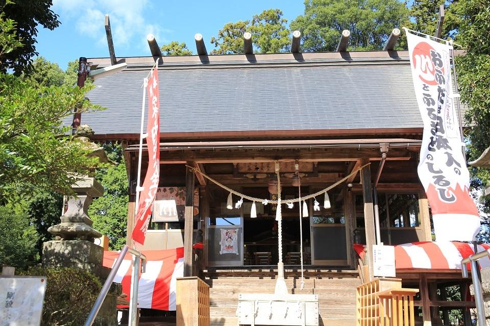 ブログ 祭りの前の神社.jpg