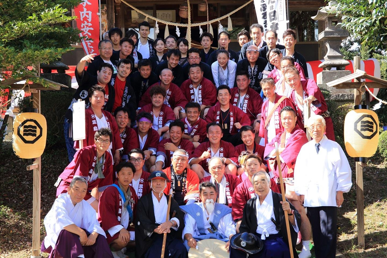 ブログ 還幸祭後の記念撮影.jpg