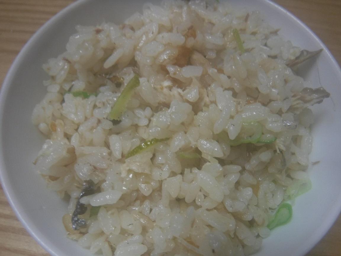 ブログ 青柚の千切り、ネギの小口切りを混ぜて掻きまわします.jpg