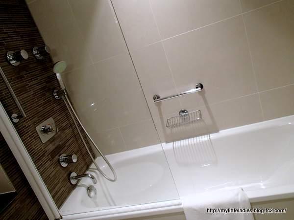 ラディソン ブル ロイヤル ホテル ブリュッセル 浴室