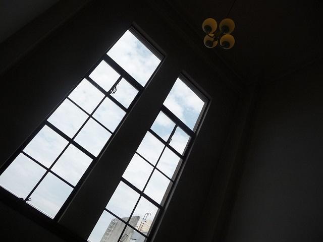 フリー画像大きな窓