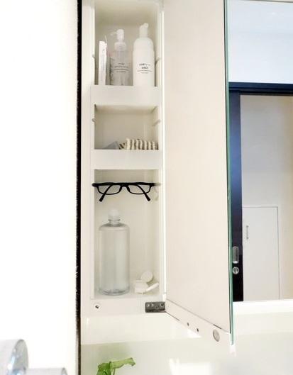 洗面所・洗面台鏡裏・左側①