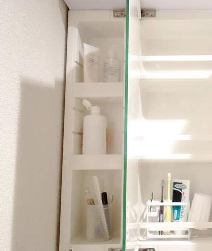 洗面所・洗面台鏡裏・左側③
