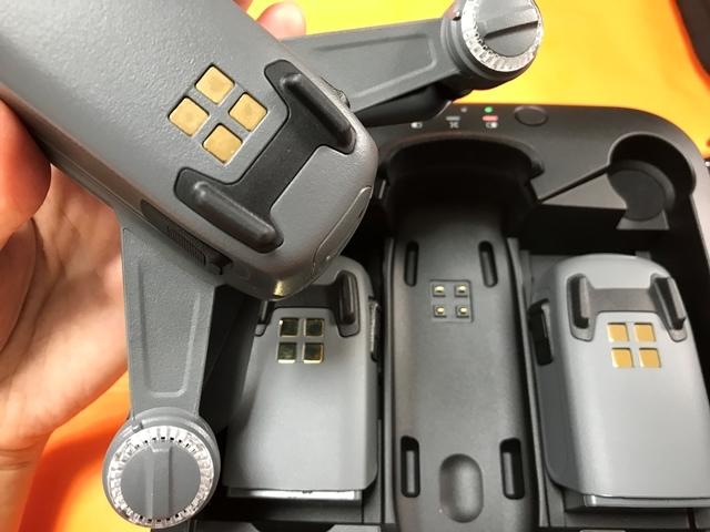 スパーク専用充電器4