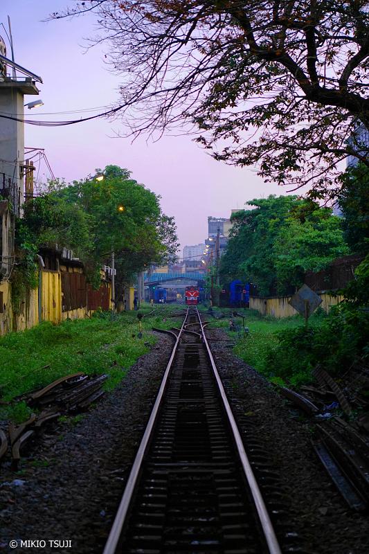 絶景探しの旅 - 0728 ハノイ駅に続く線路 (ベトナム ハノイ)