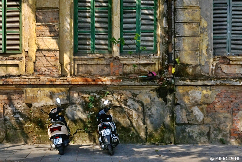 絶景探しの旅 - 0735 フランスの香り残る壁 (ベトナム ハノイ)